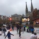 Eislaufbahn auf dem Augustaplatz ist ein Anziehungspunkt