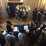 Neue Tora bei Synagoge eingesetzt
